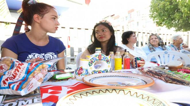 17 ülkeden kadın gücünü Buca'da gösterdi