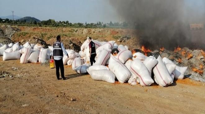 25 ton çürümüş domates atığı ele geçirildi