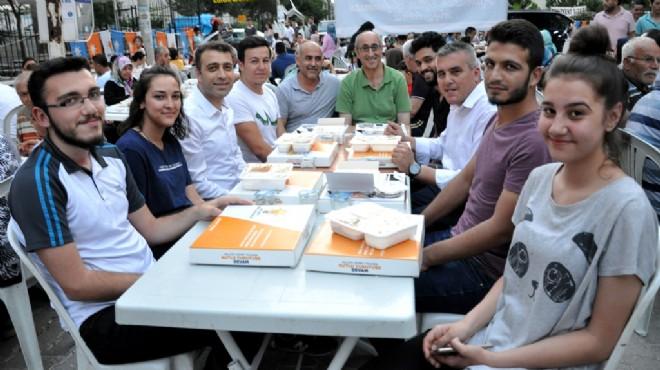 AK Parti Buca'dan 2000 kişilik iftar
