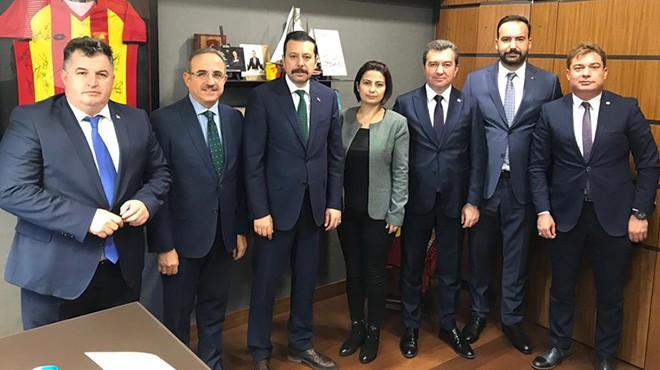 AK Parti İzmir'den meclise çıkarma!