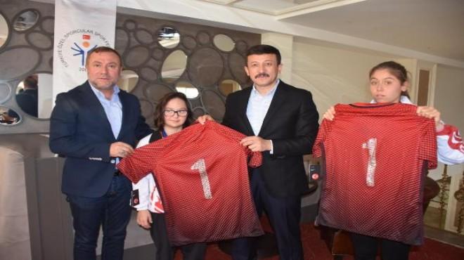 AK Partili Hamza Dağ'dan özel sporculara destek