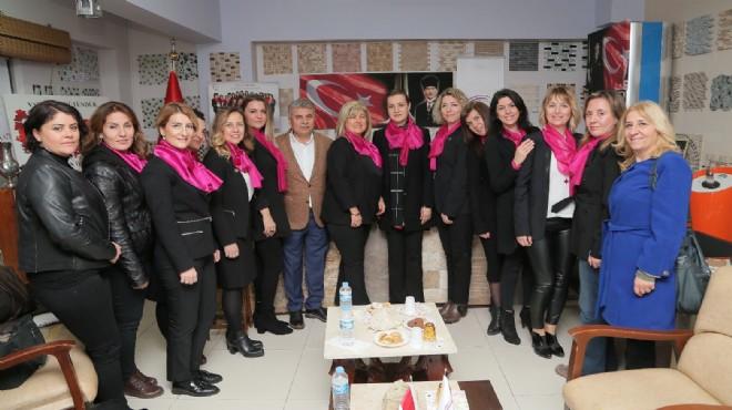 AK Partili Hotar, Karşıyakalı iş kadınları ile buluştu