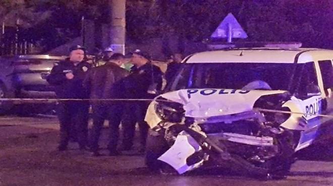 Alkollü sürücü polis otosuna daldı: 3 yaralı