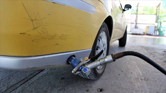 Araç sahiplerine kötü haber: Otogaza zam geldi!