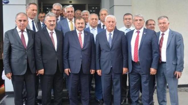 Bakan Eroğlu'ndan İzmir'de esnaf zirvesi: AVM'ler için çok önemli adım!