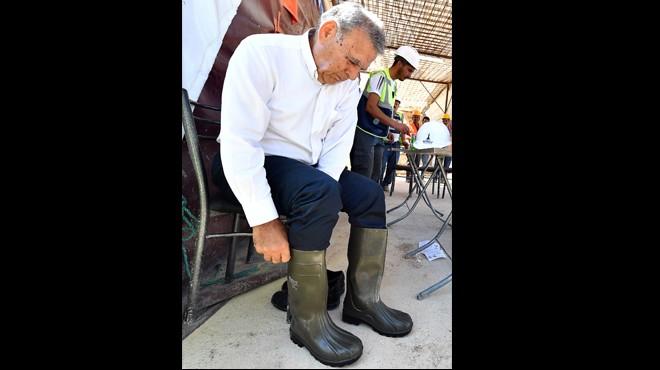 Başkan Kocaoğlu çizmeleri giydi ve...