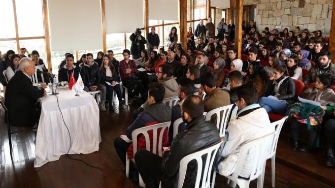 Başkan Selvitopu'ndan gençlere önemli tavsiyeler