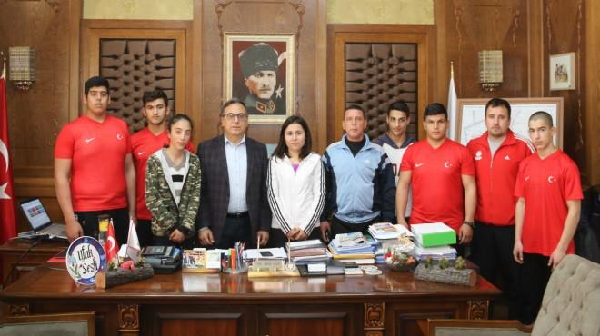Bayındır Belediyesi sporcularından büyük başarı