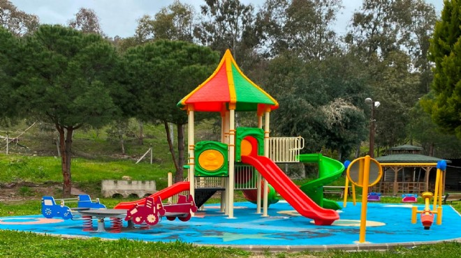 Bayraklı yeni parklarına kavuşuyor
