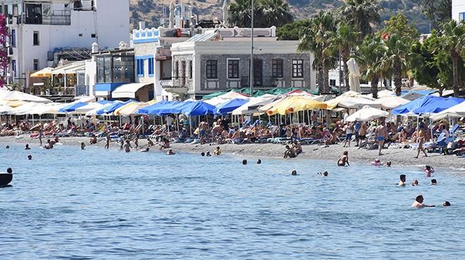 Bodrum plajları tatilin son gününü de yoğun geçirdi