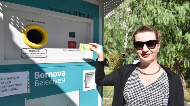 Bornova'da 'Atıkmatik' dönemi: Çöpü at, hediyeleri kap!