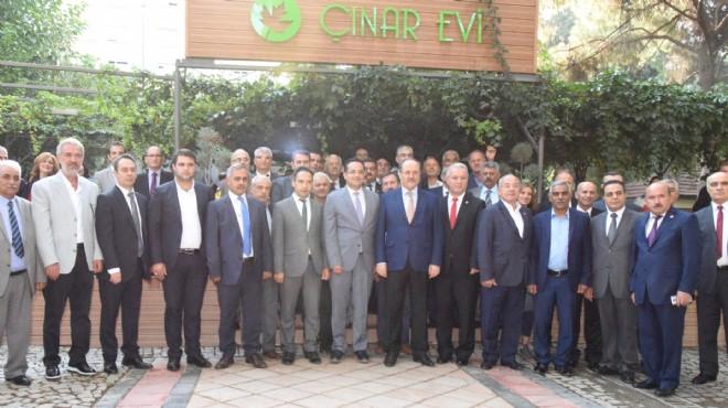 Bornovalı muhtarlar Çınarevi'nde buluştu