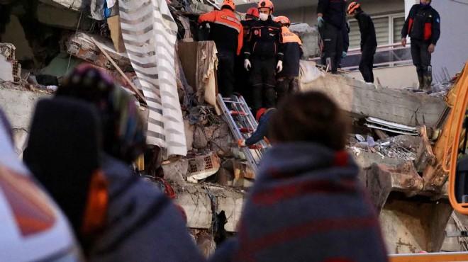 İzmir'i 6,6 şiddetinde deprem vurdu: 25 ölü, 804 yaralı!