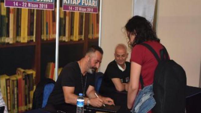Cem Yılmaz'a İzmir'de yoğun ilgi