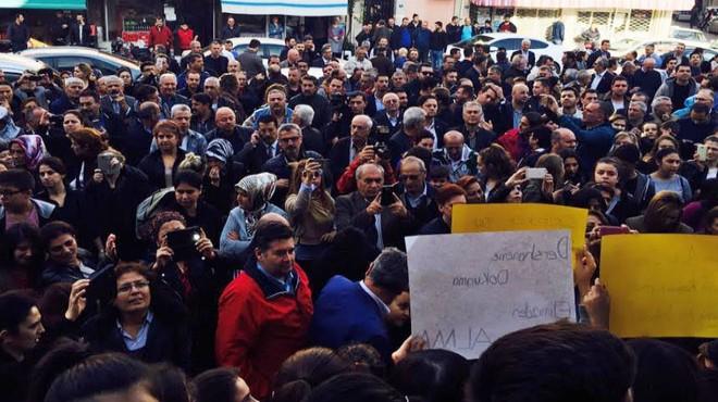 İzmir de  KHK  isyanı: CHP velilerle alana indi!