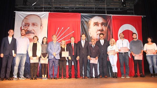 CHP İzmir'de sandık görevlilerine teşekkür!