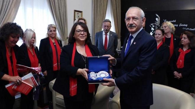 CHP İzmir'in kadınlarından 2019 manifestosu: Şahıslarla ilgilenmiyoruz!