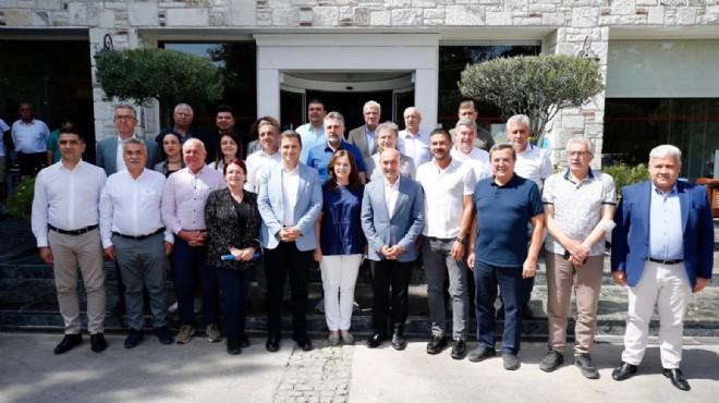 CHP'li başkanlar Foça'da bir araya geldi: Toplantıda neler konuşuldu?