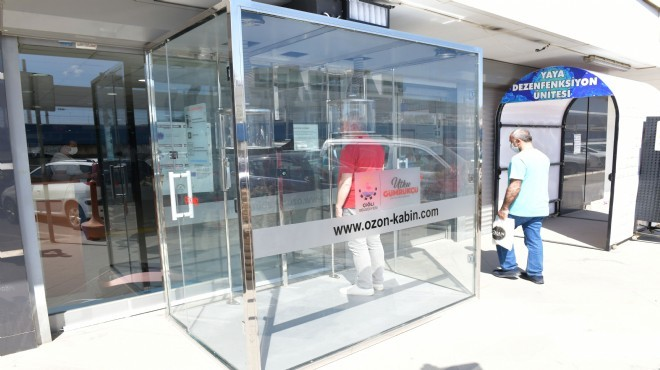 Çiğli'de belediye binası girişine ozon kabini!