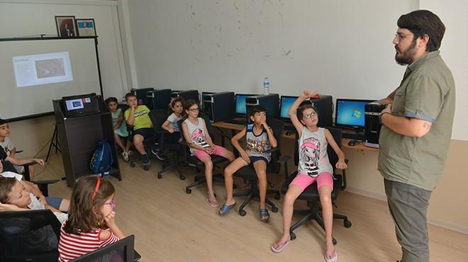 Çiğli'de çocuklara robotik kodlama eğitimi