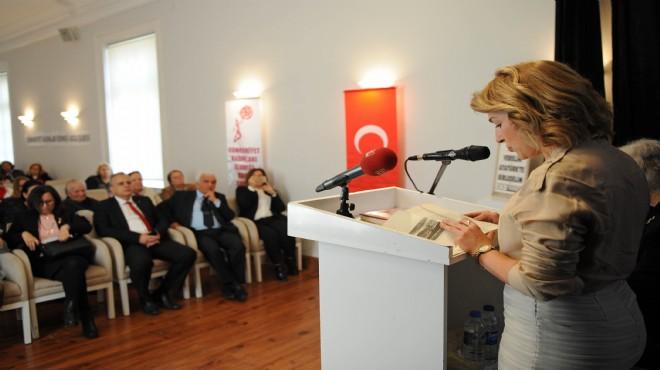 Cumhuriyet kadınları Buca'da Nutuk okudu