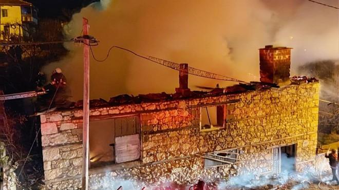 Denizli'de ev yangını: Yaşlı kadının feci sonu!