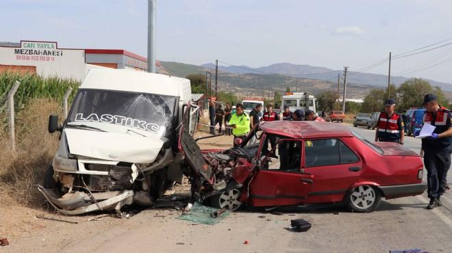 Denizli'de feci kaza: 2 ölü, 1 yaralı