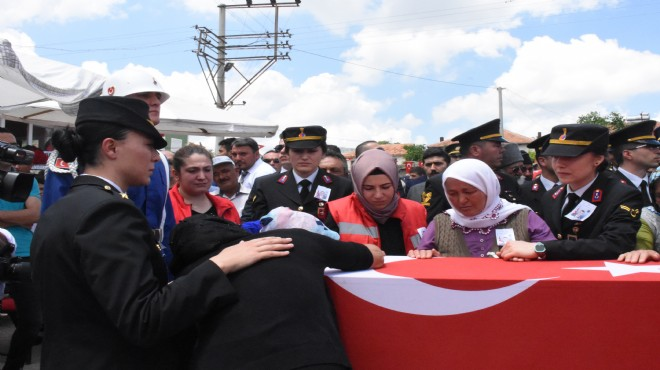 Dinar'da şehide son görev