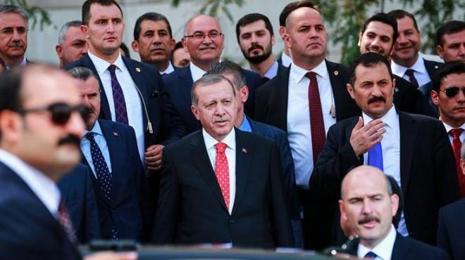 Erdoğan'ın ilgisini çekti.... Hemen yanlarına gitti...
