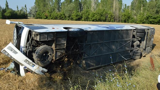 Otobüs şarampole devrildi: Çok sayıda yaralı var!