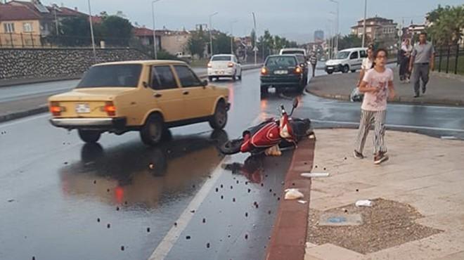 Feci kaza: Elektrikli bisikletteki 2 kişi ağır yaralı!