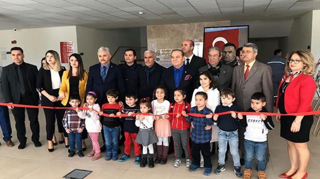 Fethi Sekin'in babası, oğlunun adını taşıyan serginin açılışına katıldı