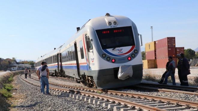 Flaş! İzmir treni kaza yaptı! Panik yaşandı!