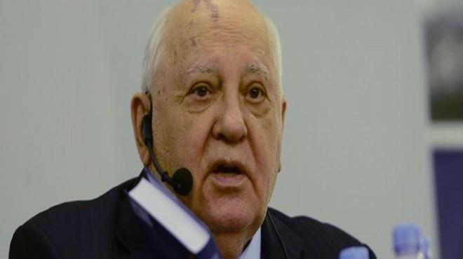Gorbaçovun Ukraynaya girişi yasaklandı 100