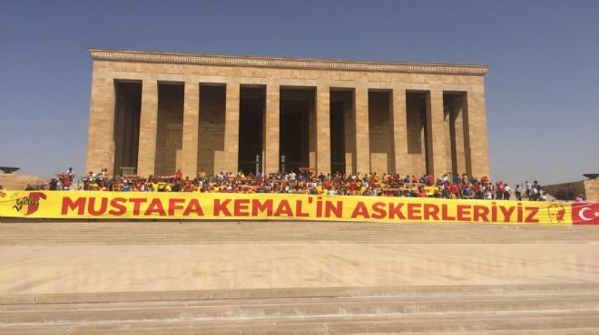 Göztepelilerden Anıtkabir çıkarması: İzmir ruhu Ata'sının huzurunda!