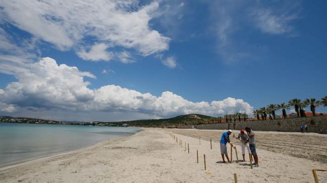 Ilıca Plajı'nda '1 Haziran' hazırlığı: Sosyal mesafe locaları tamam!