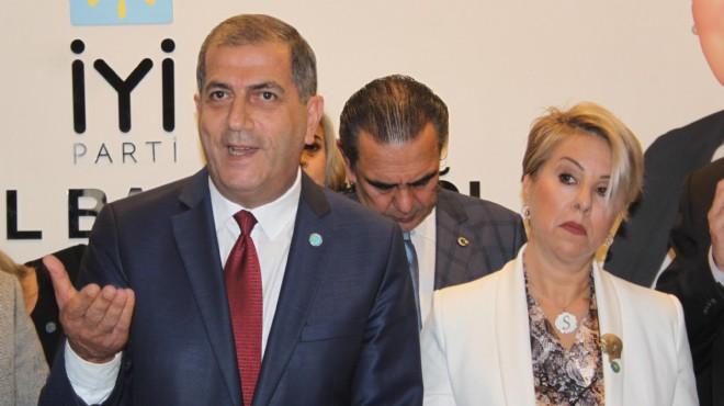 İYİ Parti İzmir'de Başkan Kırkpınar ilk toplantıda yetkiyi aldı!