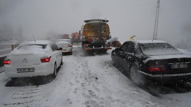 İzmir-Ankara yolu kapandı