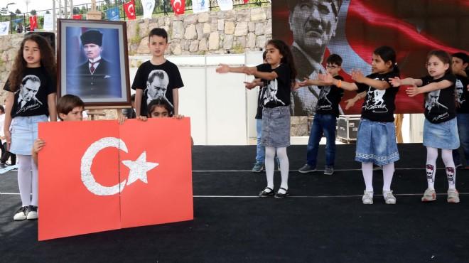 İzmir'in dört bir yanında 23 Nisan coşkusu