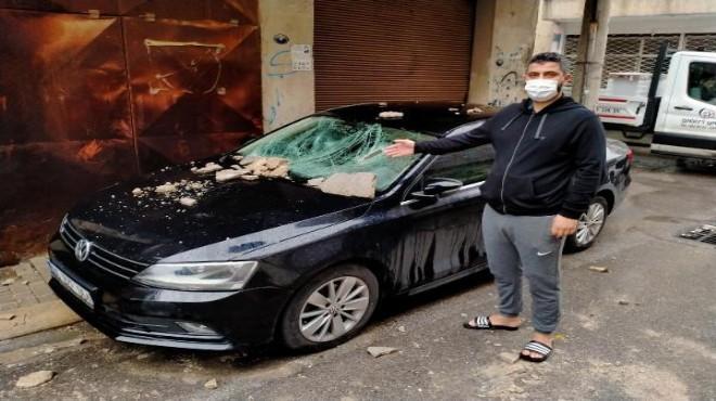 İzmir'de bir mahalle atıl bırakılan binadan şikayetçi!