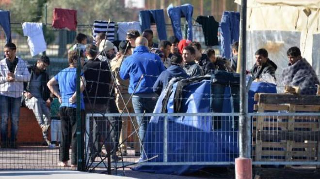 İzmir'de kaçak göçmen operasyonu: 53 gözaltı!