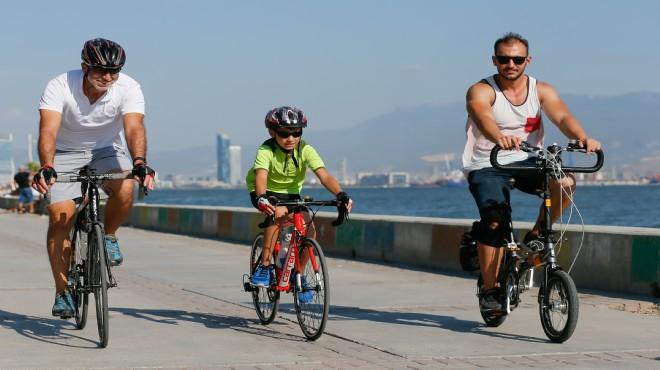 İzmir'de kanser hastası Ceylan: Bisiklet bana hayat verdi
