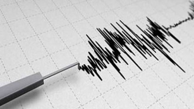 İzmir'de korkutan deprem: Şiddeti...