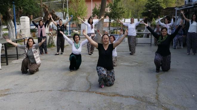 İzmir'de önce tarlaya, sonra folklora