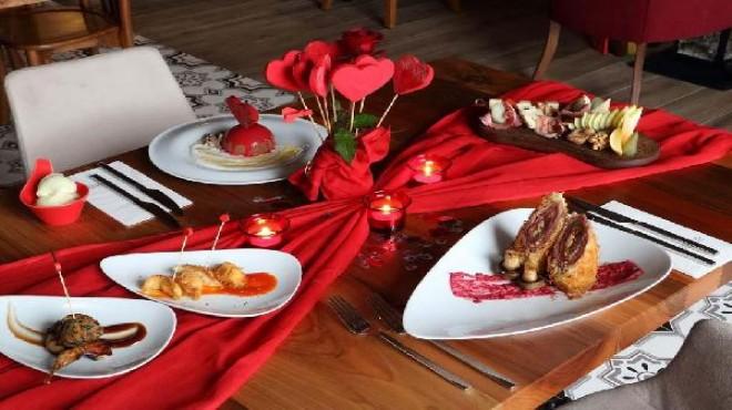 İzmir'de 'Sevgililer Günü' bereketi
