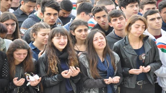 İzmir de yürek yakan veda: Hande nin okulunda gözyaşları sel oldu!