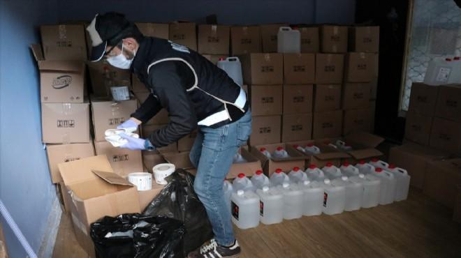 İzmir'de zehir içkisi depolarına baskın: 8 ton yakalandı