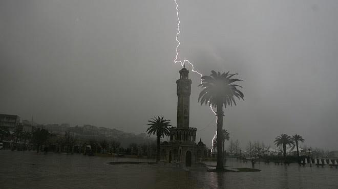 İzmir'in o ilçelerine uyarı! Kuvvetli yağış geliyor