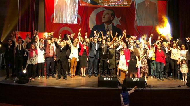 İzmir'in o ilçesinde MHP'ye büyük katılım