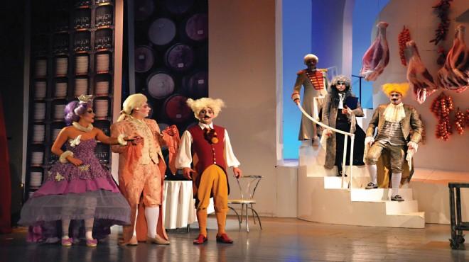 İzmir Tiyatro Günleri '80 oyunla'geliyor